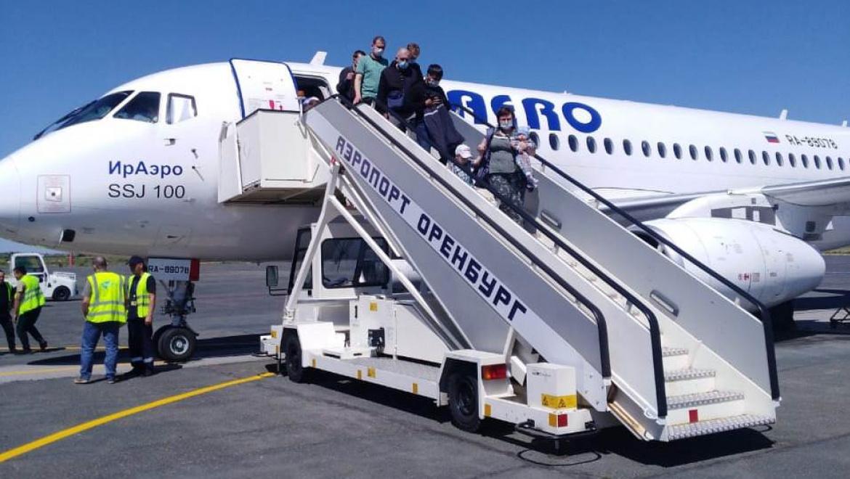 Первый рейс из Оренбурга в Новый Уренгой