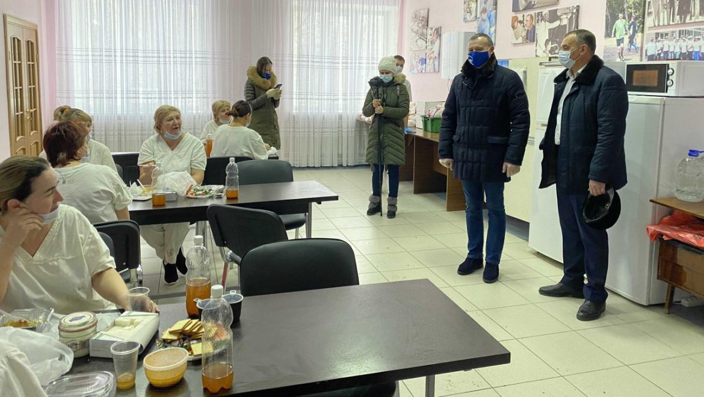 Горячее питание врачам COVID-центров Оренбуржья