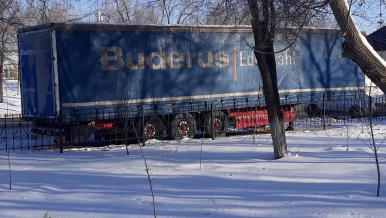 Оренбуржец пытался незаконно вывезти лес из России