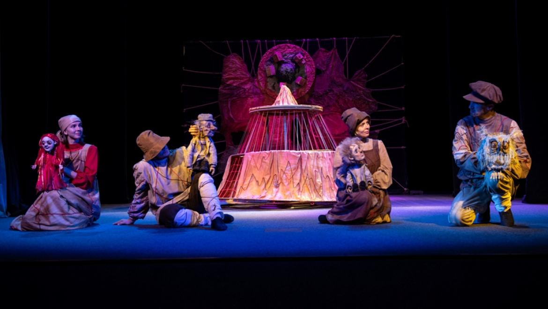 Премьерным спектаклем «Огневушка» театр кукол открывает новый сезон