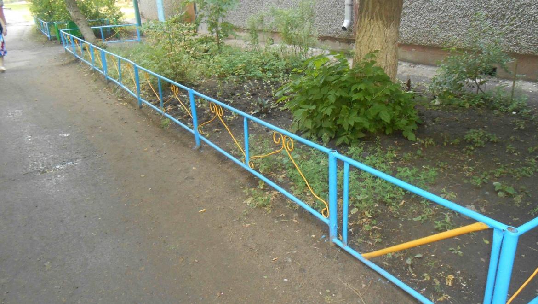 Благоустроен двор на ул. Пролетарской, 253