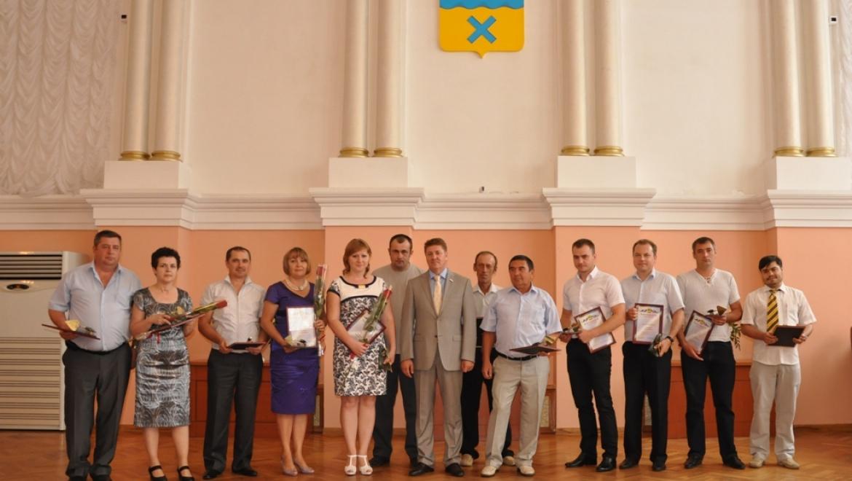 В Оренбурге вручили муниципальные награды работникам строительной отрасли