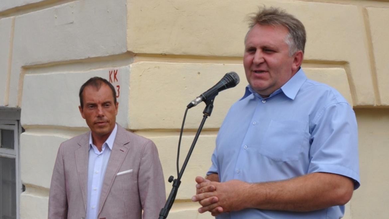 В Оренбурге открыта памятная доска нашему земляку, народному артисту Георгию Мартынюку