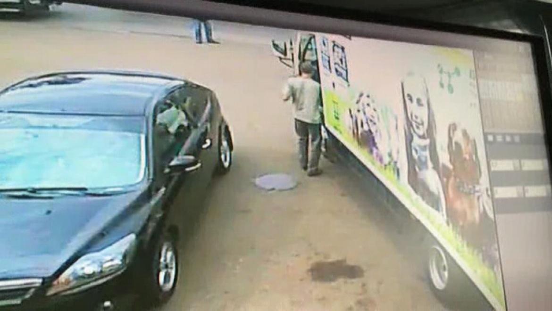 Участились случаи краж из автомобилей, доставляющих товар по торговым точкам