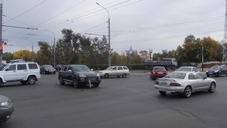 Проезд водитель «Порше» на красный свет закончился ДТП