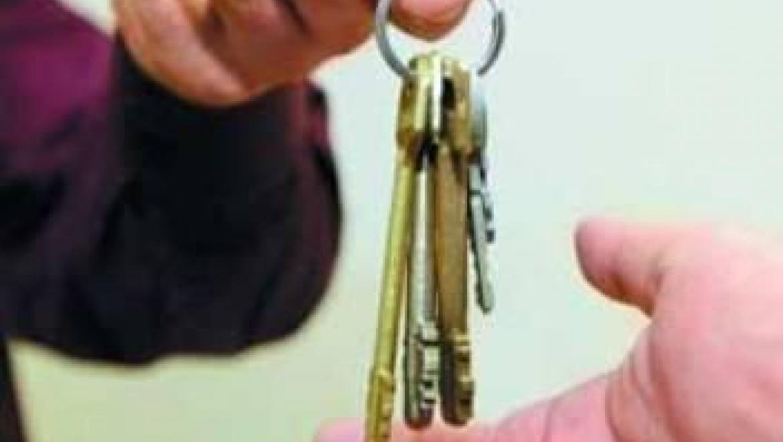 Сожитель едва не оставил возлюбленную без квартиры