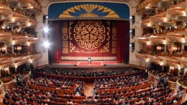 Глава Минкультуры представил нового директора коллективу театра «Астана Опера»