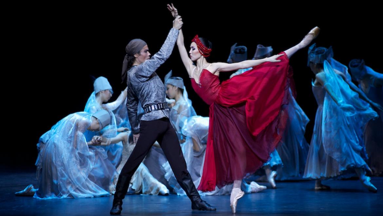 Национальный балет «Карагоз» на главной сцене театра «Астана Опера»
