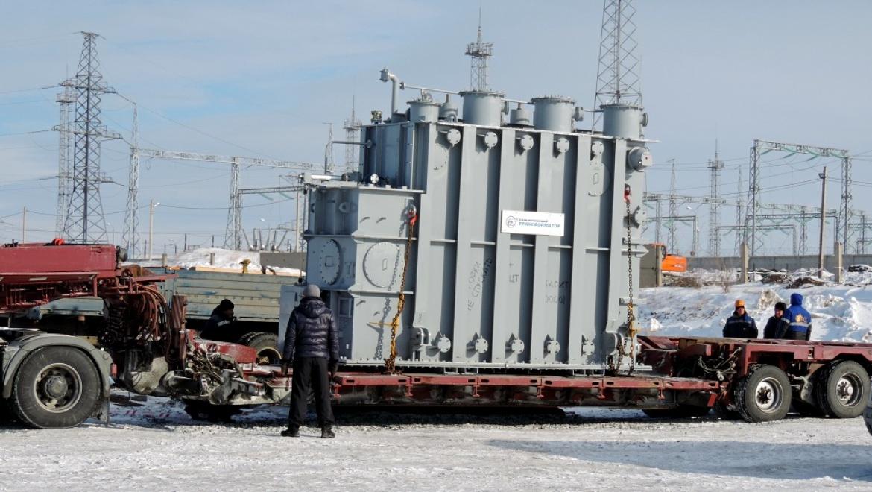 На месте будущей солнечной станции в Орске ведется монтаж  блочного трансформатора