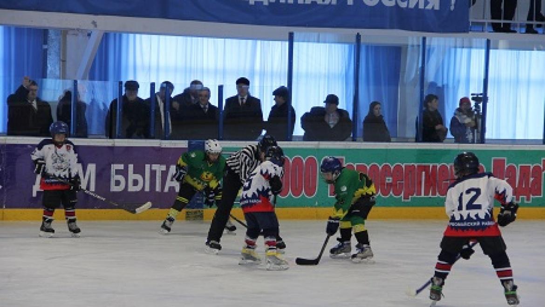В Новосергиевке прошел областной турнир по хоккею с шайбой на кубок ЮУЖД