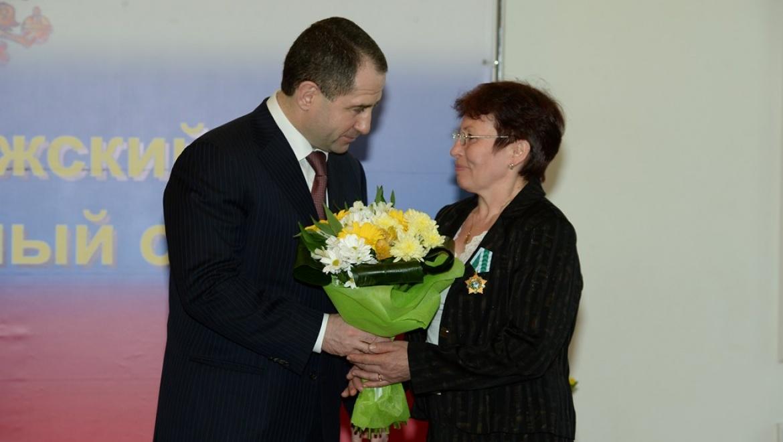 Михаил Бабич вручил государственные награды оренбуржцам