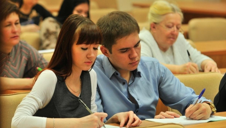 Состоялось первое занятие «Русский по пятницам» в рамках Международной образовательной акции «Тотальный диктант — 2015»
