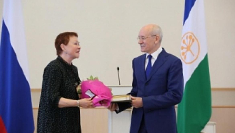 Рустэм Хамитов вручил государственные награды России и Башкортостана