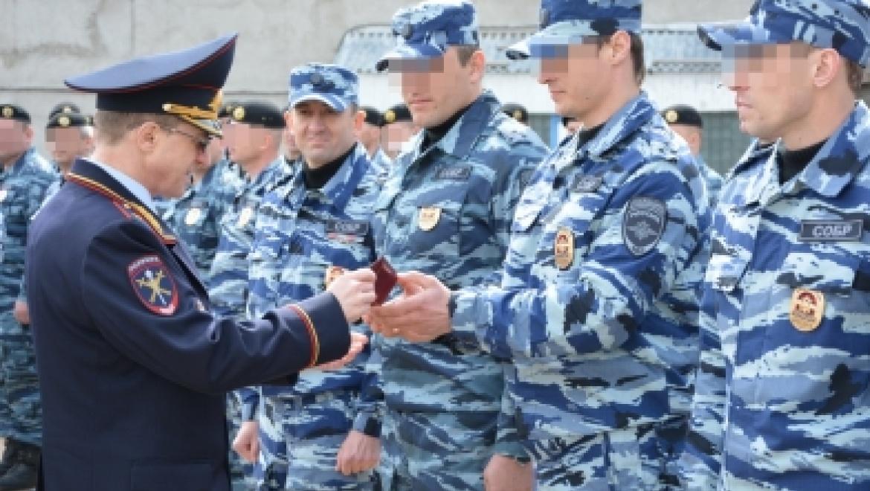 Начальник регионального УМВД Михаил Давыдов провел строевой смотр
