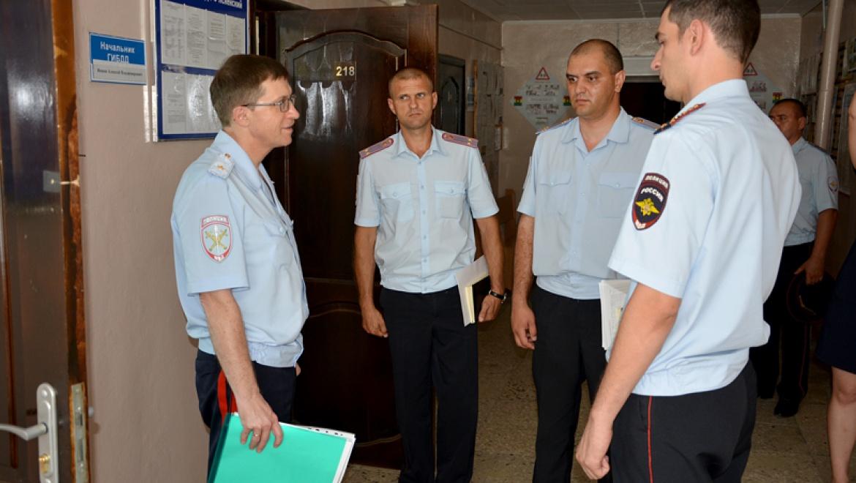 Михаил Давыдов представил личному составу нового руководителя