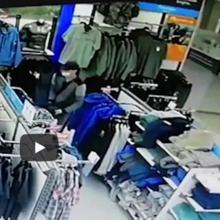 Сотрудниками полиции Оренбурга задержан подозреваемый в краже одежды
