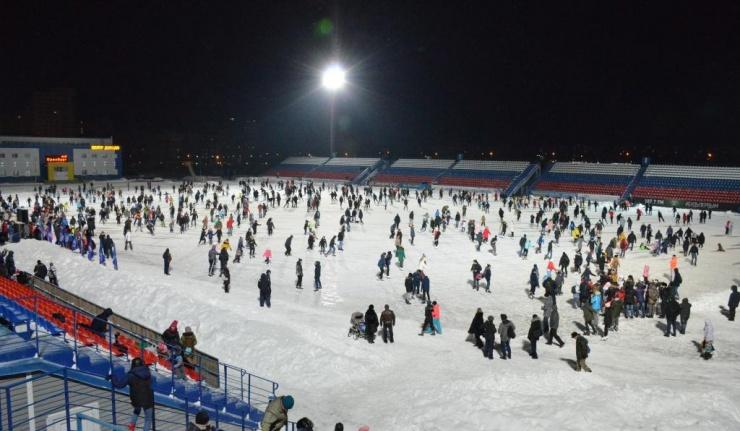 В Оренбурге состоялся праздник «Вечер на коньках»